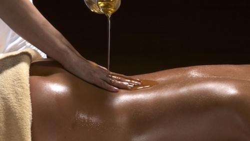 Massage Huiles Chaudes
